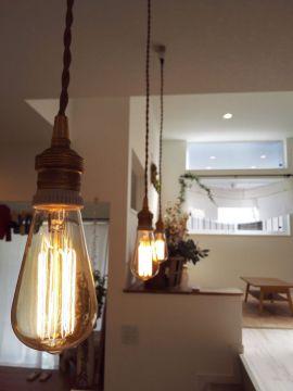 主婦絶賛モデルハウスの新着画像公開!おしゃれなランプに壁紙♪